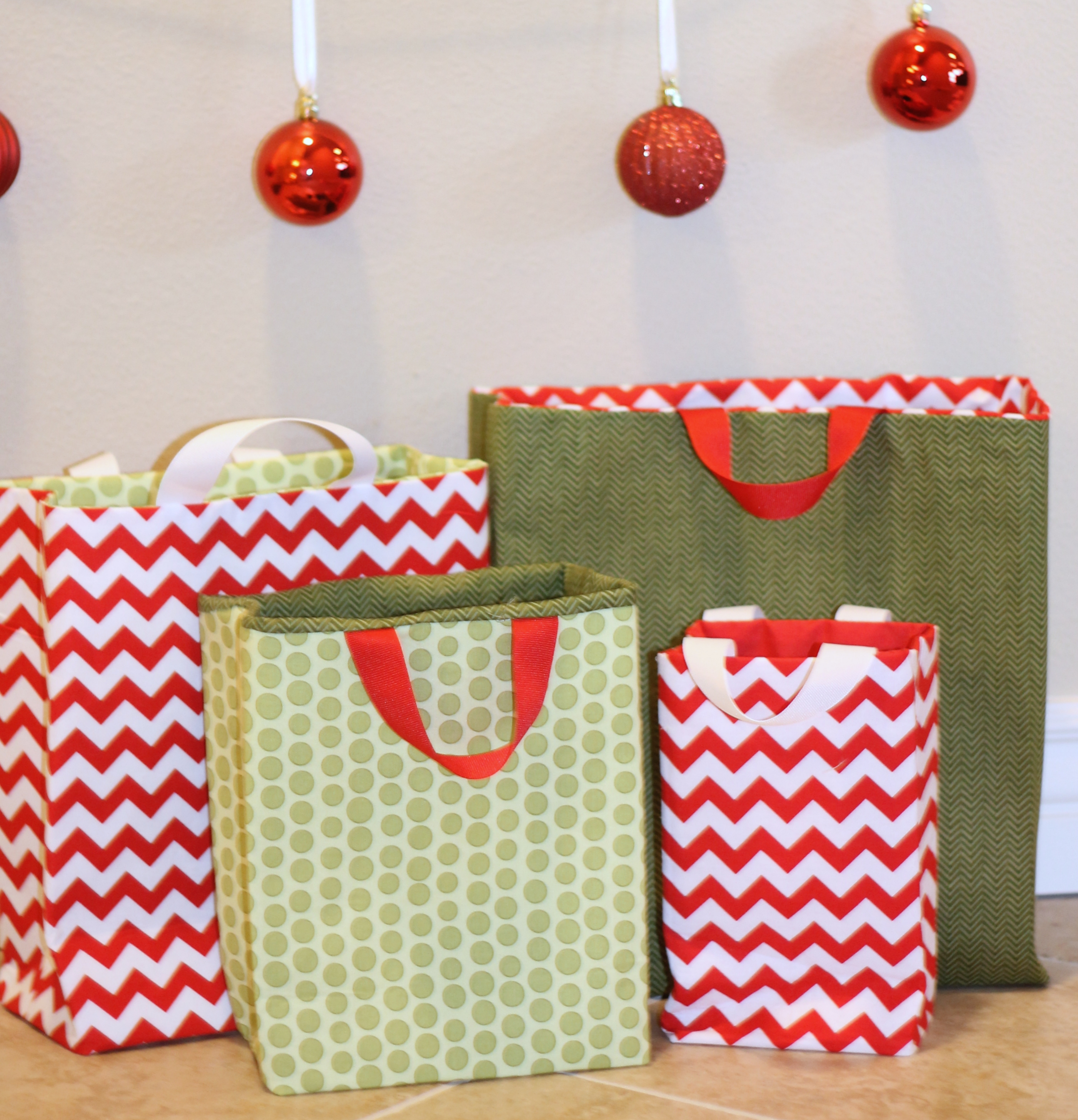 Fabric gift bags tutorial