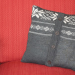 Free Sweater Pillow Tutorial