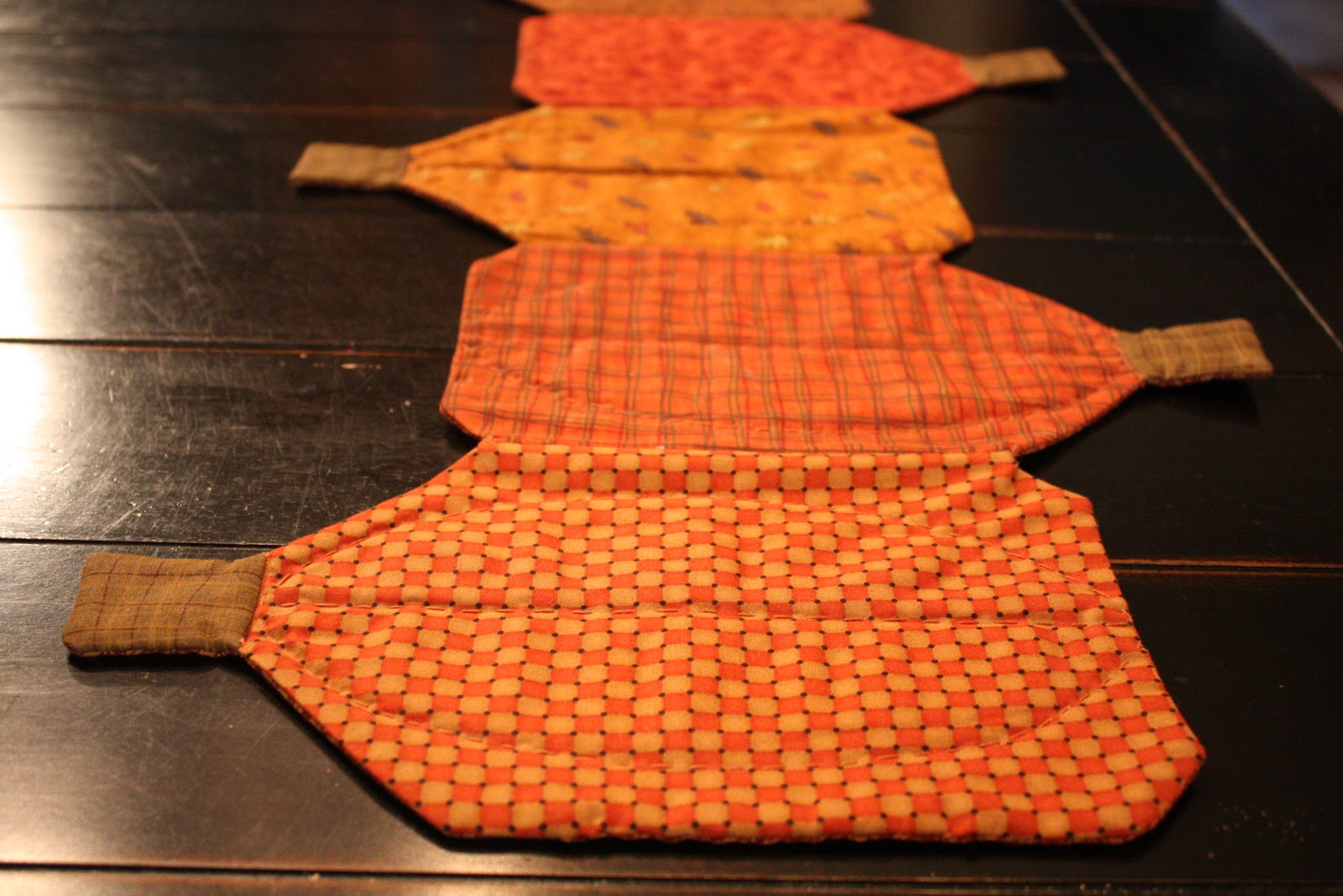 Pumpkin Table runner 016
