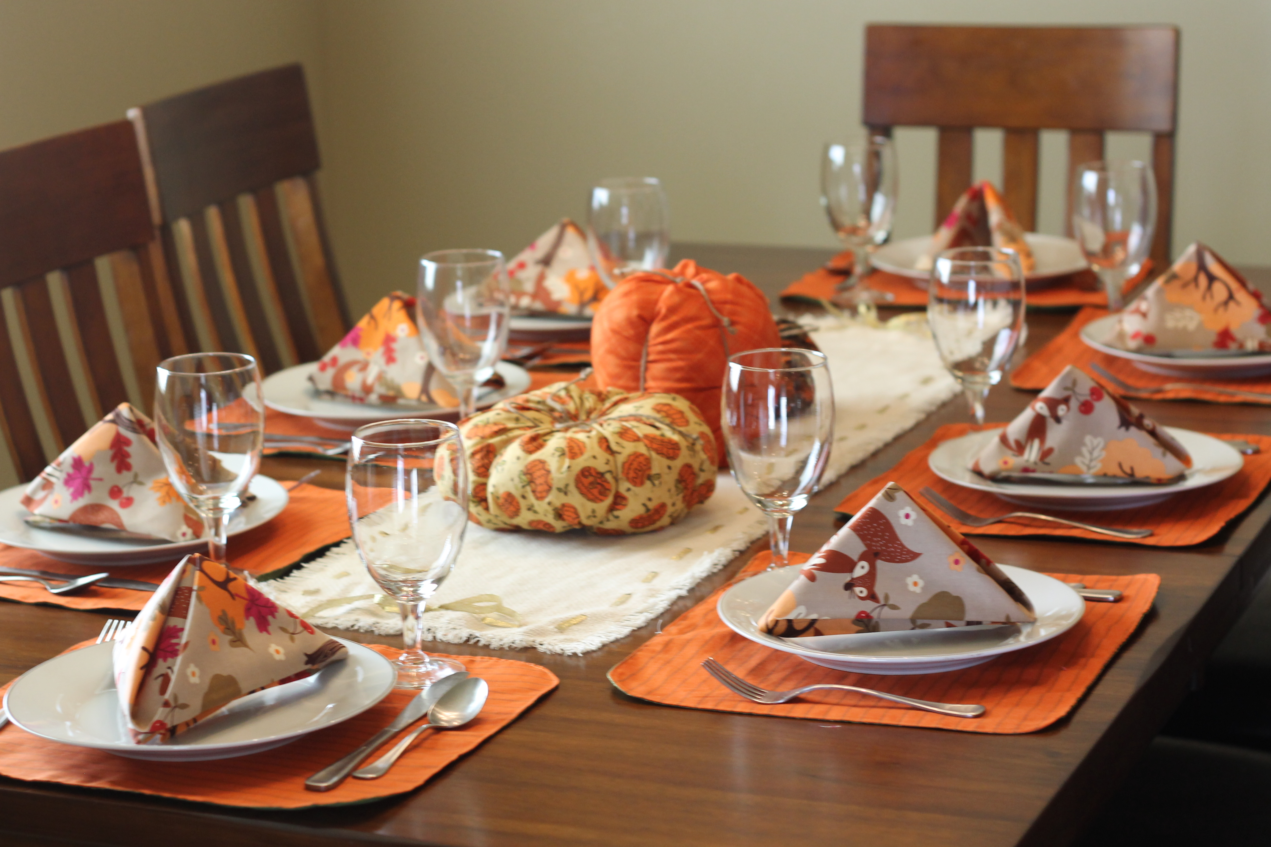 thanksgiving table decorations rustic thanksgiving table setting peek a boo pages 30814