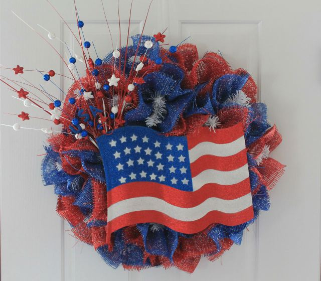 4th Of July Wreath Tutorial Peek A Boo Pages Patterns