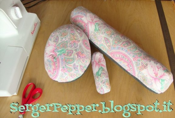 sergerpepper-pressing-tools-DIY-sausage-roll-FREE-pattern-12