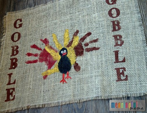 diy-thanksgiving-placemats-kids-hands